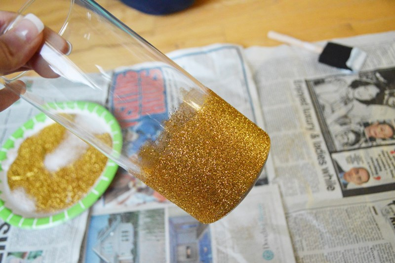 Make Your Holidays Sparkle Withdiy Glitter Vases Blogs 1 800